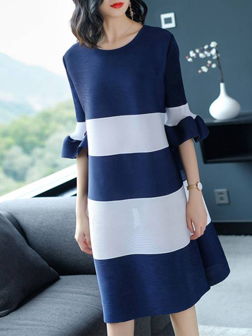 Loose Striped Bell Sleeve Women's Day Dress