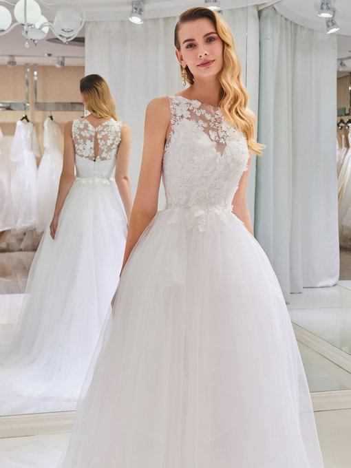 Bateau Neck Lace Appliques Tulle Wedding Dress