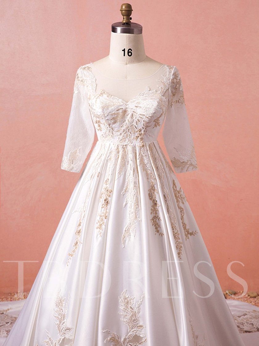 Appliques Plus Size Wedding Dress with Sleeve