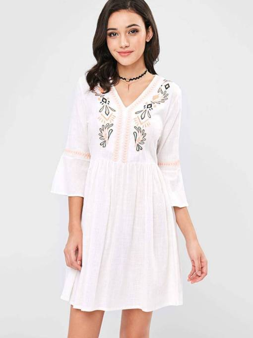 V-Neck Embroidery Flare Sleeve Women's Day Dress