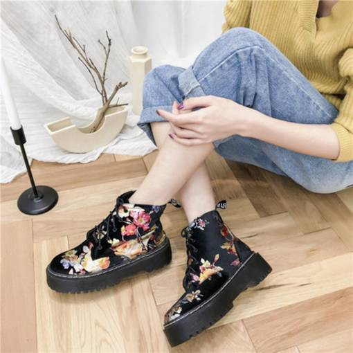 Lace-Up Front Round Toe Floral Printed Women's Ankle Boots