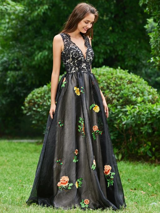 A-Line V-Neck Embroidery Lace Prom Dress