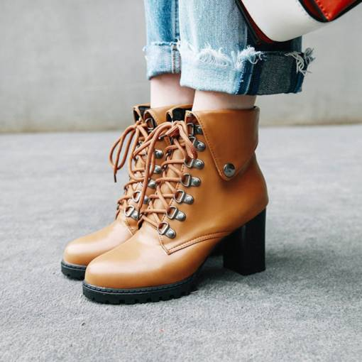 Chunky Heel Round Toe Lace-Up Front Trendy Women's Martin Boots