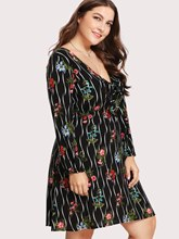 Plus Size V-Neck Prints Long Sleeve Day Dress
