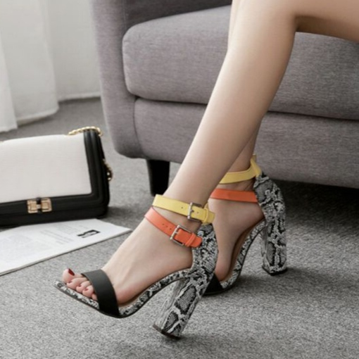 Serpentine Color Block Chunky Heel Open Toe Women's Sandals