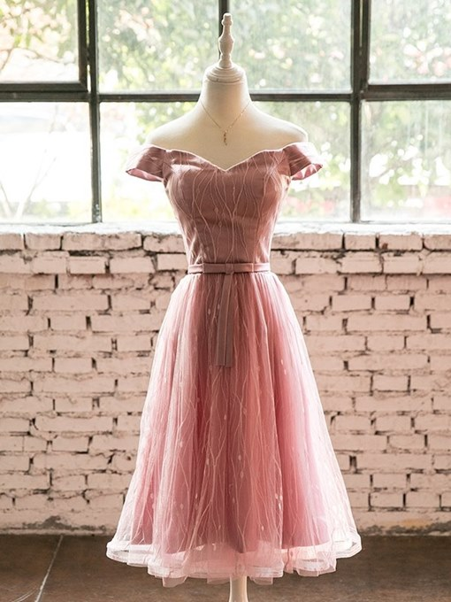 A-Line Off-the-Shoulder Bowknot Lace Sashes Homecoming Dress