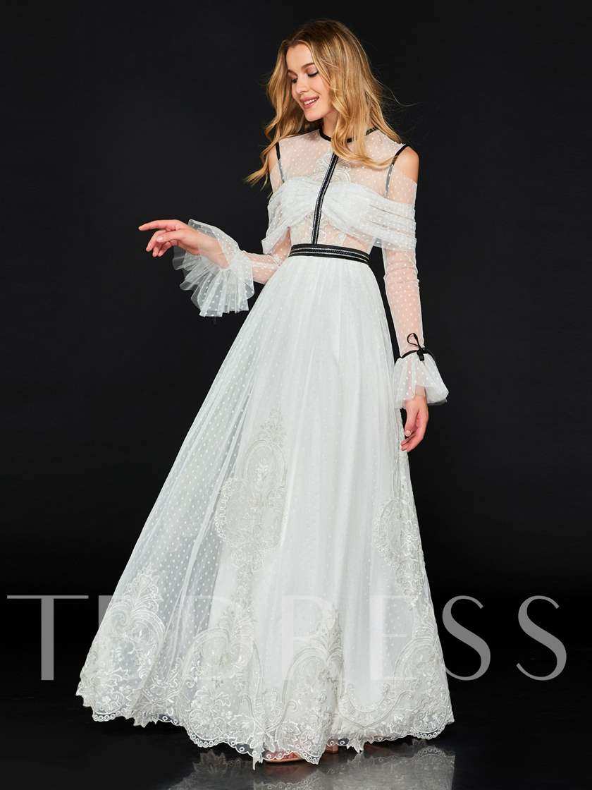 A-Line Appliques Scoop Lace Sashes Prom Dress