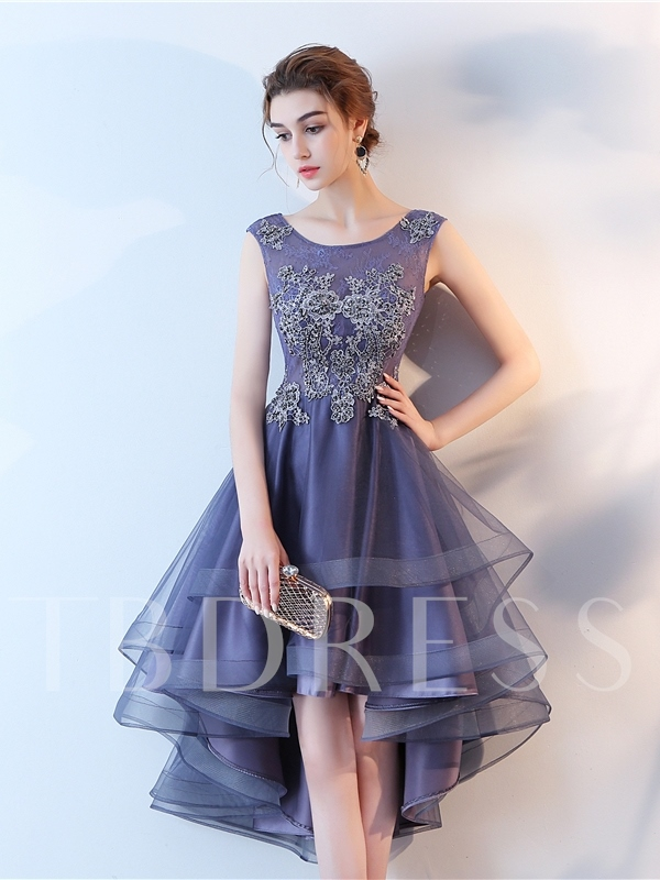 Scoop Neck Appliques Tiered Homecoming Dress 2019