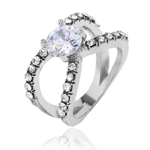 Hollow Out Zircon Inlaid European Style Ring