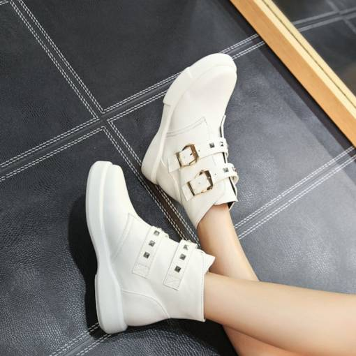 Round Toe Hasp Rivet Flat Trendy Women's Ankle Boots