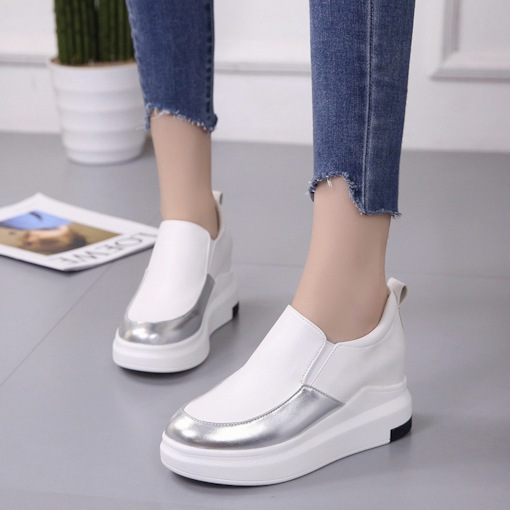 PU Slip-On Platform Round Toe Elevated White Platform Sneakers