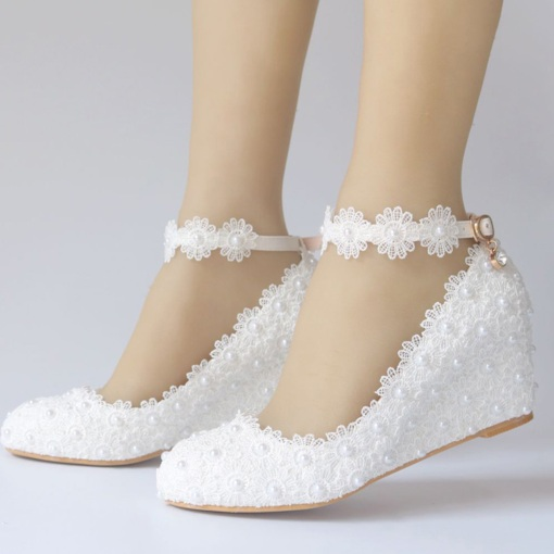 Line-Style Buckle Wedge Heel Round Toe Beads Wedding Shoes