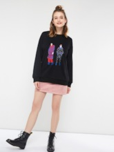 Scoop Neck Figure Embroideried Women's Sweatshirt