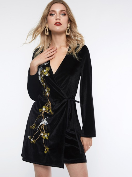 Velvet Embroidery V-Neck Women's Long Sleeve Dress