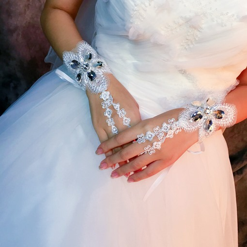 Beading Lace Wrist Wedding Gloves
