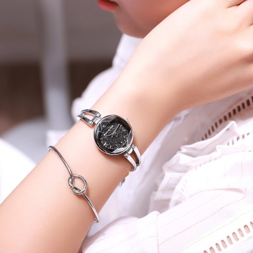 Glass Surface Analogue Display Quartz Bangle Watches