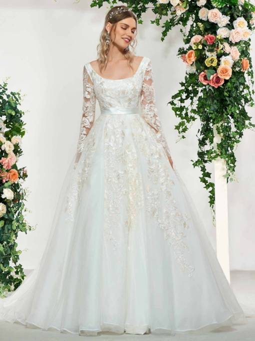 Long Sleeves Square Appliques Wedding Dress