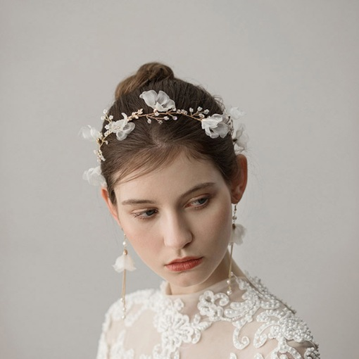 Concise White Beads Decorated Chiffon Floral Wedding Headwear