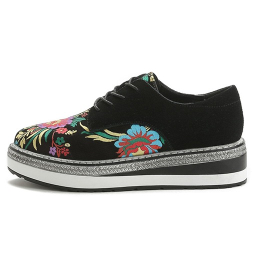 Round Toe Lace-Up Platform Floral Embroidered Sneakers