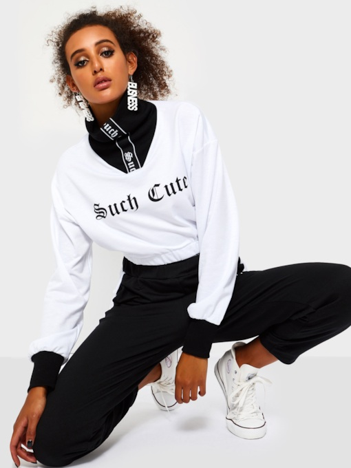 Letter Print Turtleneck Women's Cropped Sweatshirt