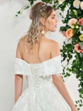 Off the Shoulder Ball Gown Appliques Wedding Dress