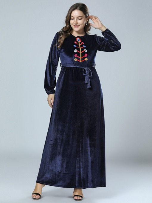 Plus Size Embroidery Round Neck Women's Maxi Dress