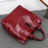 Alligator Embossing PU Barrel-Shaped Tote Bags