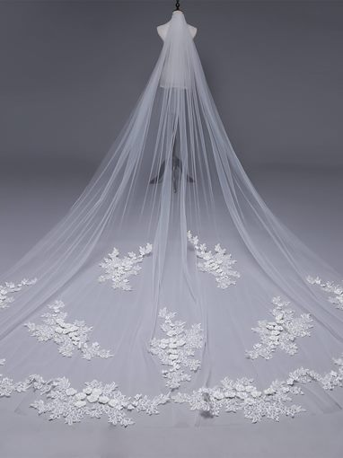 Royal Appliques Pearls One-Layer Wedding Veil