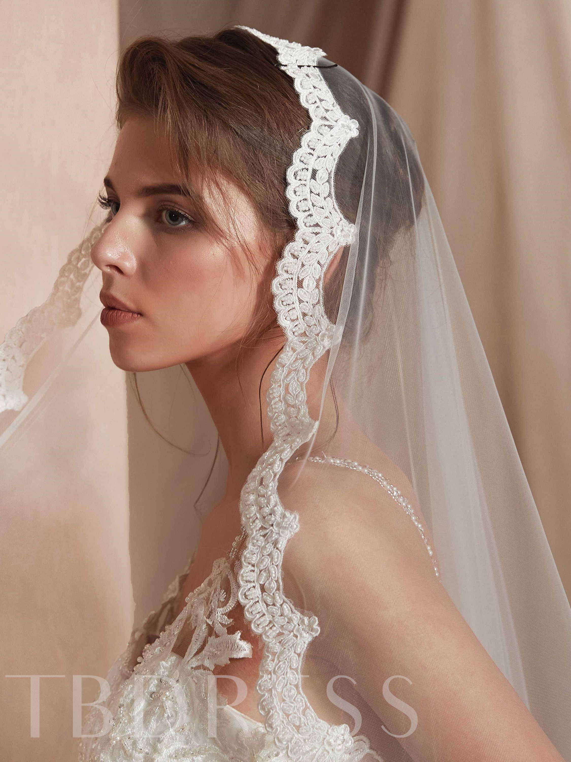 Waltz One-Layer Applique Edge Wedding Veil