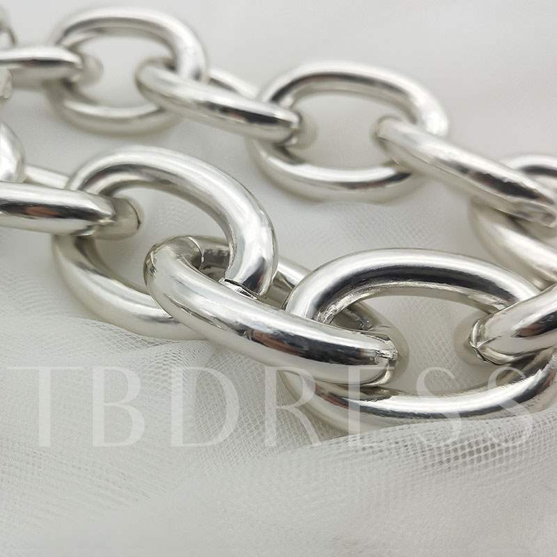 Exaggerated Hollow Aluminum Chain Necklace