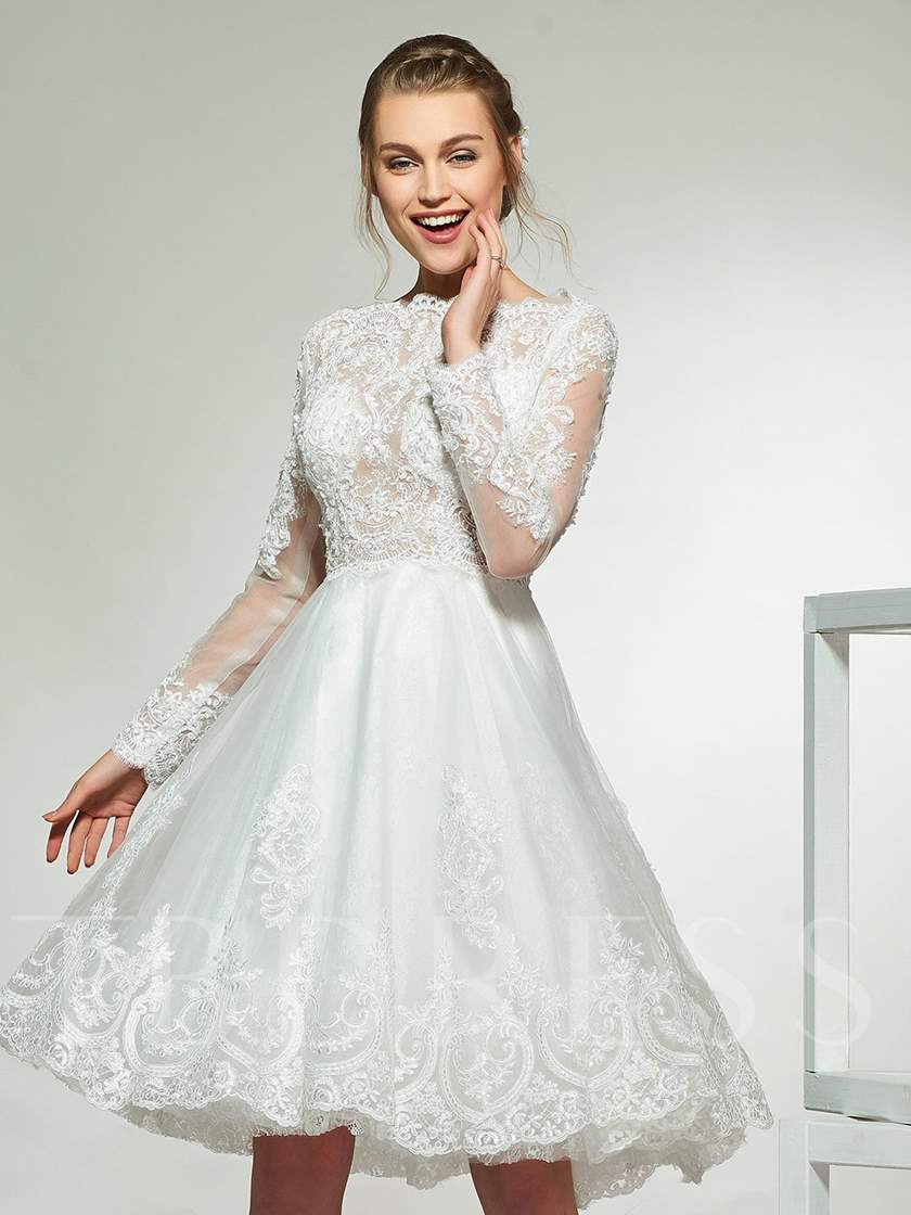 Knee-Length Appliques Long Sleeve Beach Wedding Dress 2019