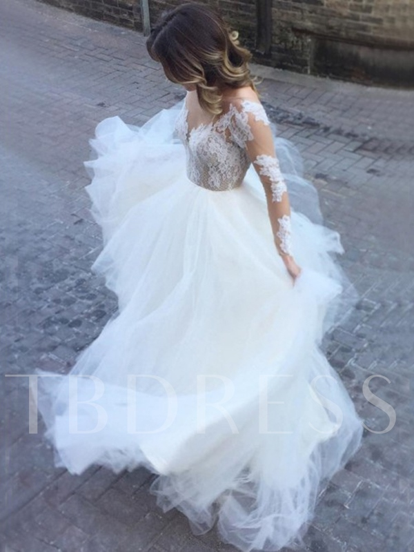 Appliques Long Sleeves Outdoor Wedding Dress 2019