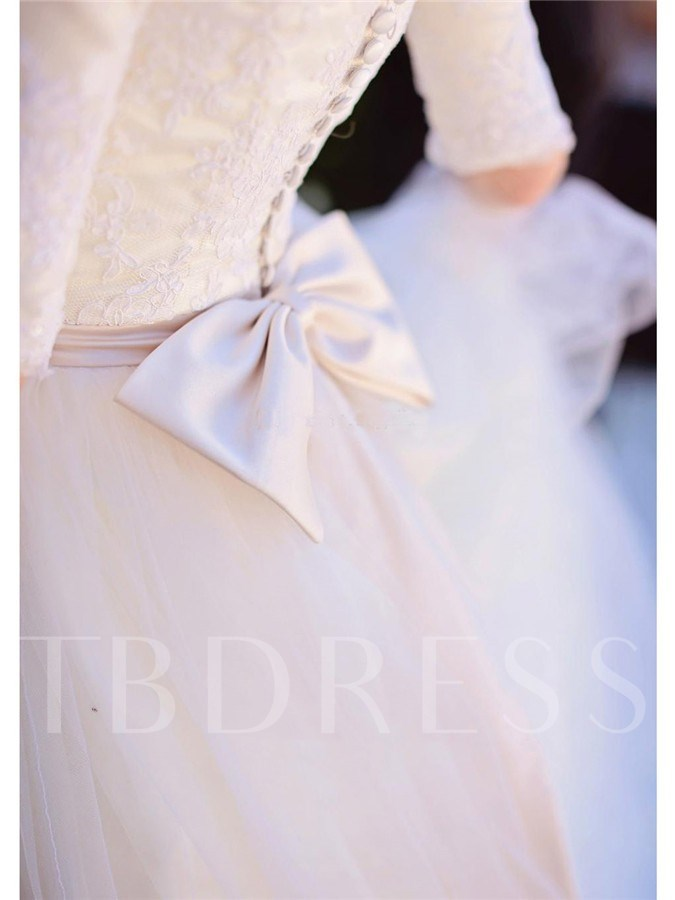 Scoop Neck Lace Bowknot Half Sleeves Wedding Dress
