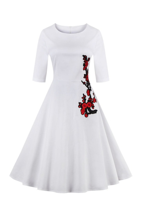 Scoop White Knee-Length A-Line Homecoming Dress
