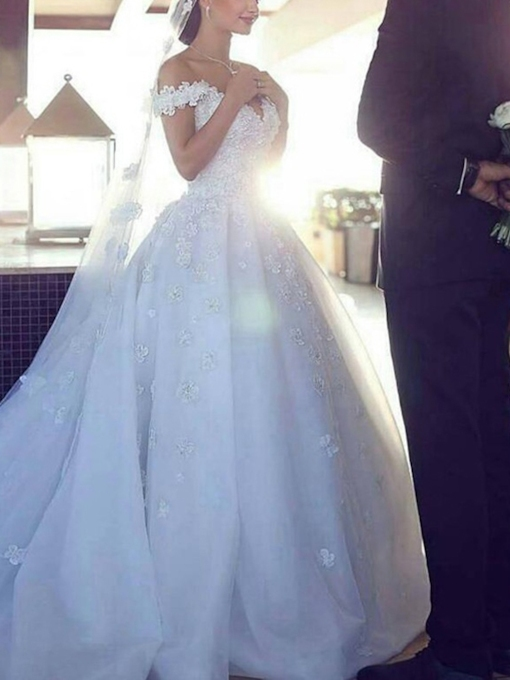 Off the Shoulder Flowers Appliques Baal Gown Wedding Dress