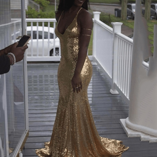 Trumpet Sweep Train V-Neck Sequins Formal Dress