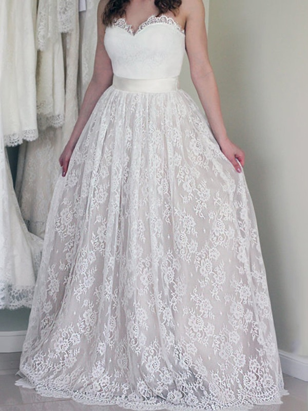 Sweetheart | Country | Wedding | Button | Dress | Lace