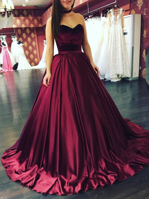 Sweetheart Court Ball Gown Floor-Length Evening Dress