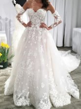 Sweetheart Backless Appliques Wedding Dress with Oversleeves