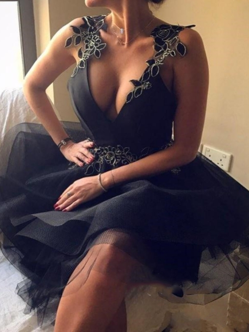 Appliques Straps Sexy Backless Black Cocktail Dress