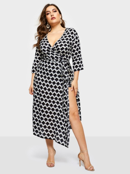 Plus Size Three-Quarter Sleeve V-Neck Women's Maxi Dress