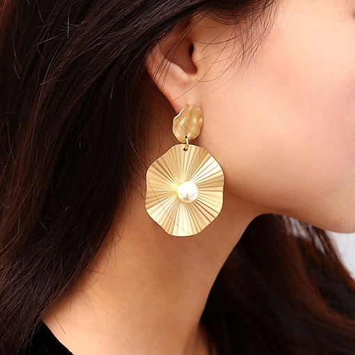 Polishing Round Metal Design Pearl Party Earrings