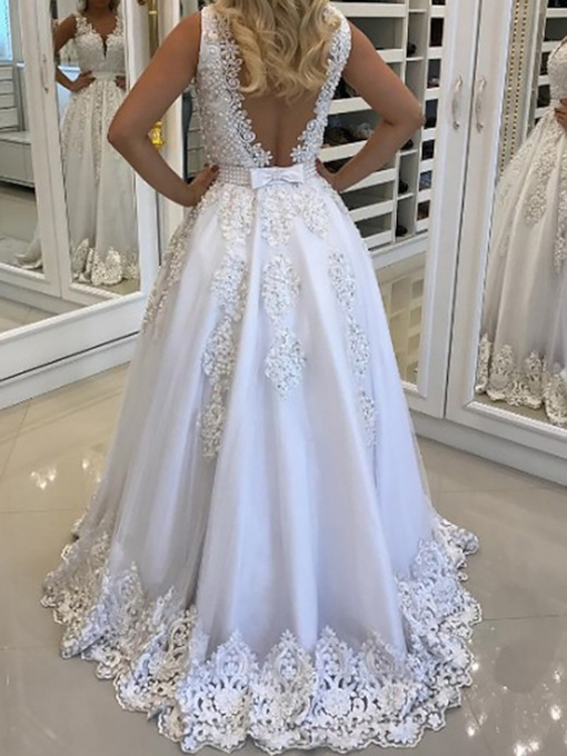 V-Neck Lace Appliques Pearls Wedding Dress 2019