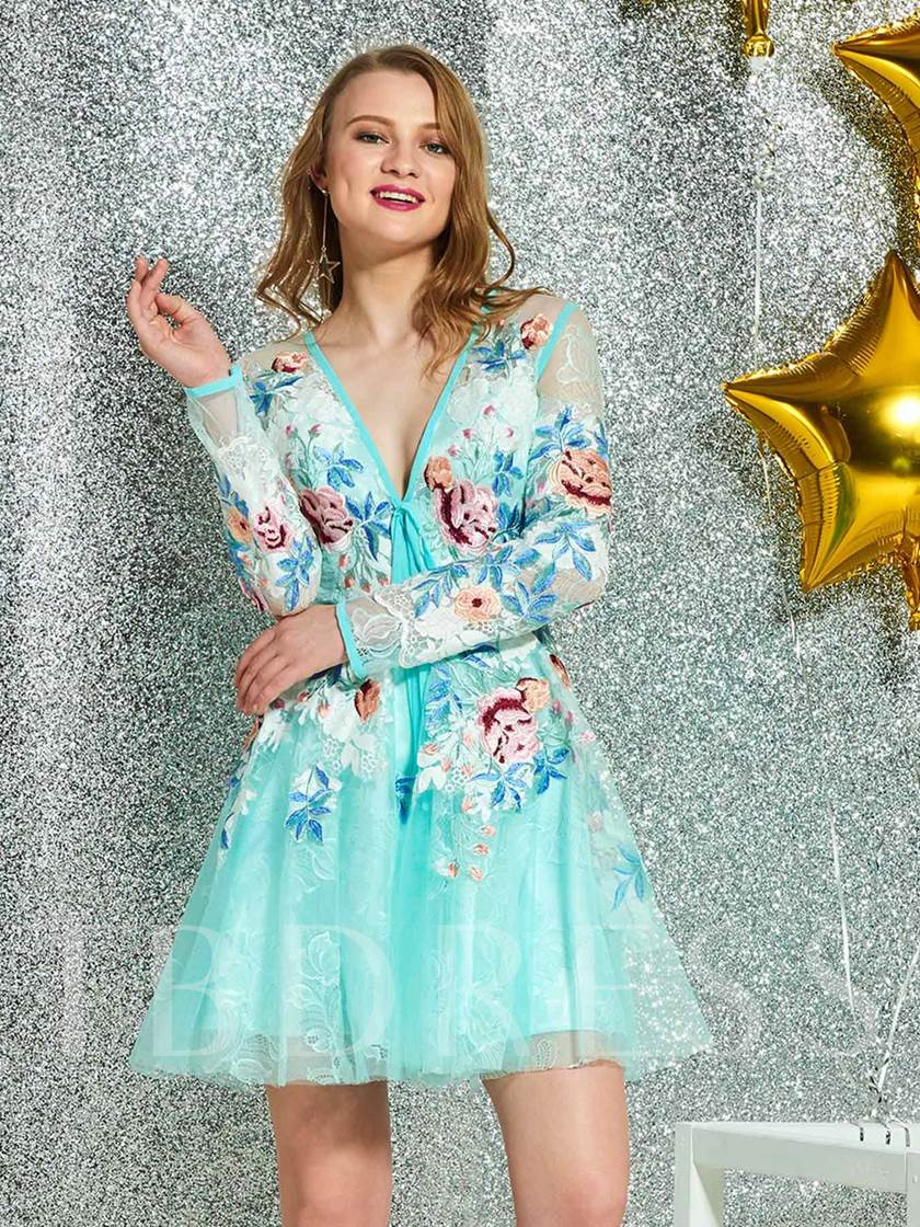 V-Neck Embroidery Lace Long Sleeves Cocktail Dress