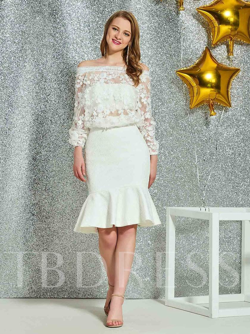 Off-The-Shoulder Knee-Length Lace Long Sleeves Homecoming Dress
