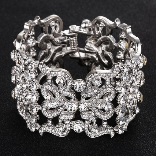 Vintage Floral Shape Carving Rhinestone Bracelet for Women