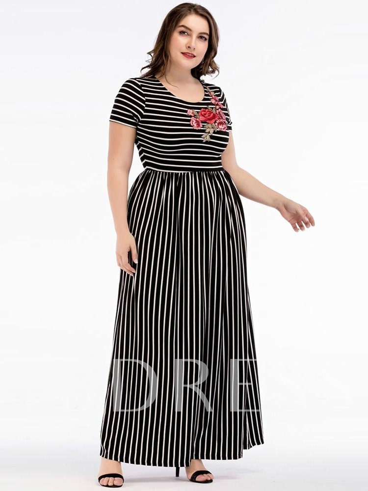 Embroidery Round Neck Short Sleeve Women's Maxi Dress
