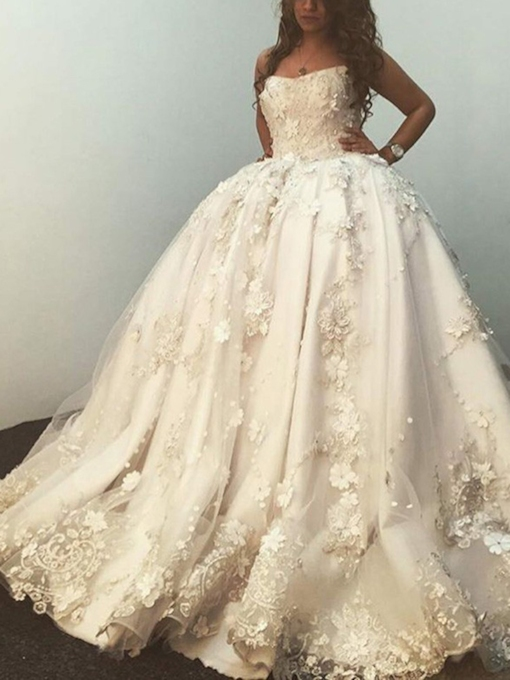 Strapless Appliques Sweetheart Ball Gown Wedding Dress
