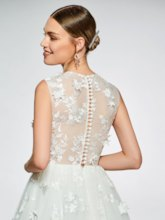 Round Neck Button Lace Appliques Wedding Dress 2019