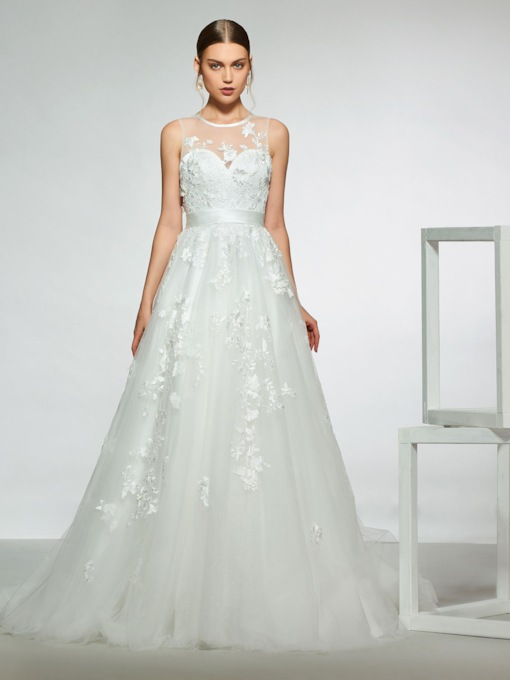 Round Neck Button Appliques Hall Wedding Dress 2019